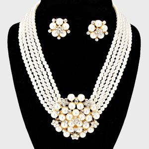 Pearl Cluster Flower Necklace & Clip on Earring se
